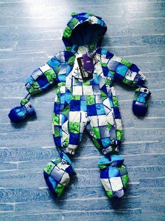 Зимний мембранный слитный комбинезон Snobug by Krickets (Канада) цвет салатовый с синим. Варежки и пинетки в комплекте
