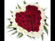 51 красная роза в виде сердца Пламя