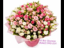 Кустовые белые и розовые розы букет Карамельный