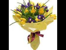 Букет из желтых Тюльпанов и синего Ириса