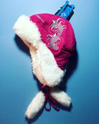 Теплая зимняя шапка-ушанка Lummie цвет Dark Crimson