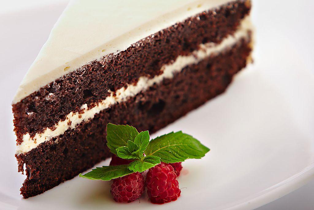 Черёмуховый торт с вишней