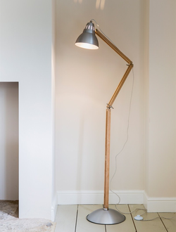 Bermondsey Floor Light in Aluminium - Oak   цвет Алюминий    арт.LWO08