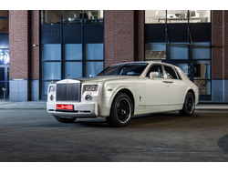 ROLLS-ROYCE Phantom (Белый)