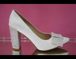 Распродажа свадебные туфли белые широкий средний каблук острый мыс украшены стразами серебренными № СТ