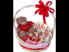 Киндер Шоколад в корзинке или в подарочной коробке с плюшевым мишкой