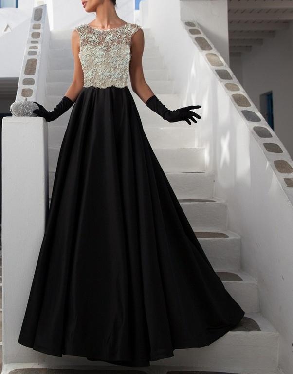 f9bc89b4d0b Длинное закрытое вечернее платье А-силуэта из бежевого гипюра и ...