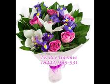 Шикарный букет из ирисов и орхидей