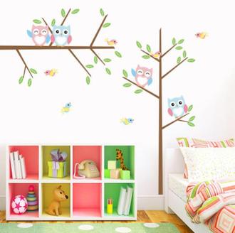 Многоразовая наклейка на стену в детскую комнату совы на веточке пастель