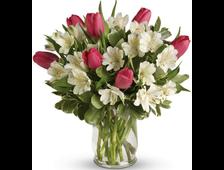 Букет из тюльпанов и альстромерий
