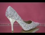 Свадебные туфли маленьких размеров белые выбитые розочки серебренное напыление текстиль кожа купить