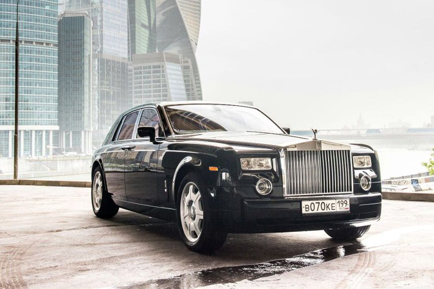 Аренда Rolls-Royce Phantom черного цвета