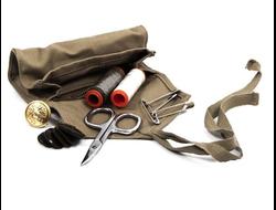 Набор нитки-иголки-булавки-ножницы-пуговицы, итальянская армия, ориг., нов.