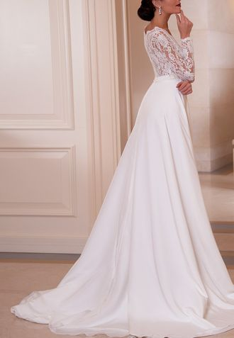 6951a961855 Свадебное платье с шифоновой юбкой и кружевным верхом с V-образным вырезом  и длинными рукавами