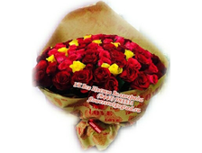 Большой букет ярких роз 81 роза