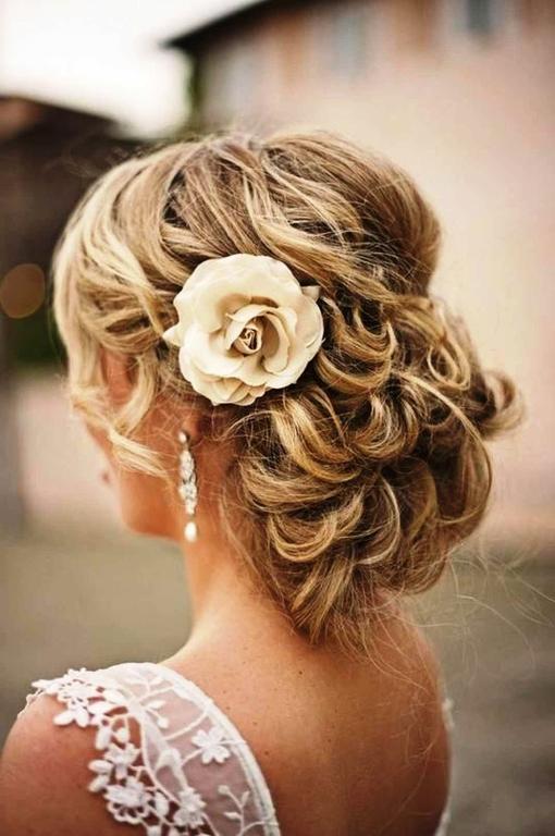 Свадебные вечерние прически на средние волосы