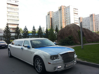 Лимузин Chrysler 300С