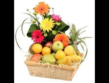 Корзина из фруктов и цветов Мир Экзотики