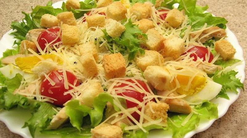 Салат цезарь с курицей и сухариками в домашних условиях рецепт
