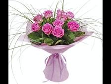 Розовый ветерок 11 роз с зеленью
