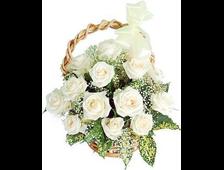 15 белых роз в корзине Белая Мечта