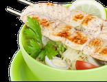 Салат Цезарь с курицей: микс из салатных листьев, курица, помидоры Черри, сухарики, яйцо перепелиное, маслины, сыр Пармезан, соус, 240 гр, 1034 Ккал
