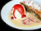 Яблочный штрудель: яблочный пирог, мороженое, карамельный сироп, 190 гр, 732 Ккал