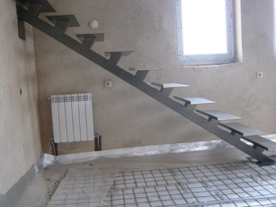 Лестницы на металлических косоурах своими руками