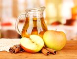Натуральный яблочный сок собственного приготовления