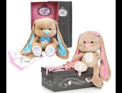 Зайка Лин с цветочком в коробке/ Зайка Жак с бабочкой в коробке (25см) + 2открытки