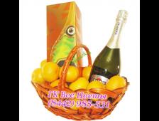 Подарочная корзина с шампанским и мандаринами