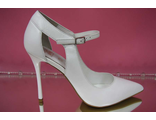 Белые свадебные туфли коллекция 2016 острый мыс на высоком каблуке шпилька кожаные украшены тонкой пряжкой № 2407-451=451б