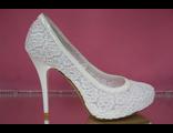 Белые свадебные туфли круглый мыс скрытая платформа высокий каблук шпилька текстиль украшены декором выбитыми цветами № =47