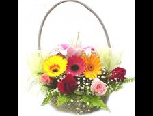 Корзина из разноцветных гербер и цветных роз Краски Лета
