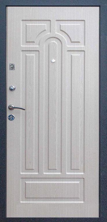 дверь входная их белого мдф