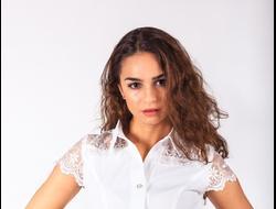БЛУЗКА 1173/1. Белая блузка с кружевными вставками. Длина изделия 60см. Материал: Блузочная. Состав: 60% вискоза, 30% полиэстер, 10% эластан