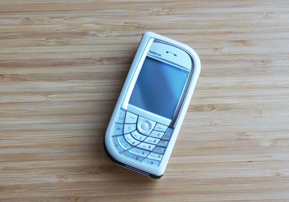 На рынке появится современная версия телефона Nokia 3310