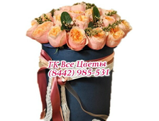 25 кремовых роз в шляпных коробках