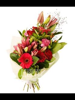 Букет с лилиями, розами и герберами
