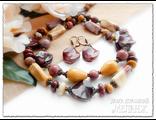 Колье и серьги из австралийской яшмы мукаит. Украшения из натуральных камней купить. Ручная работа.