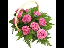 11 розовых роз в корзине с листьями пальмы Соренто