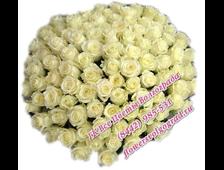 101 белая роза в крафт-бумаге