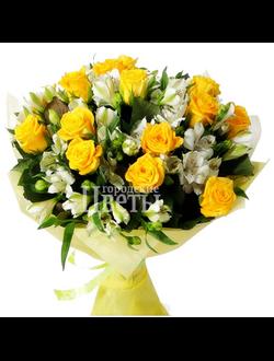 Букет из желтых роз и альстромерии