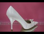 Свадебные белые туфли острый мыс средний каблук украшены стразами и очаровательной бабочкой № 032-35=35