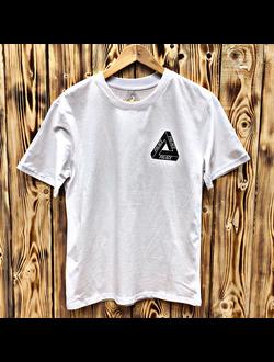 4a729066e4d74 Мужские брендовые футболки, купить в Спб в магазине QUESTSHOP