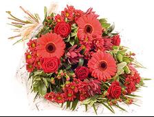 Алый цветочный букет