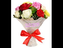 Красные и желтые розы букетом от 15 штук
