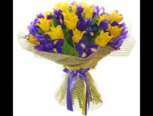 25 желтых Тюльпанов и 20 Ирисов в букете