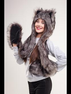 Волк с варежками
