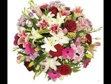 Корзина с Лилиями Яркая цветочная поляна
